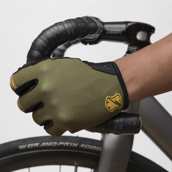 MASH GIRO DND GREEN GLOVES